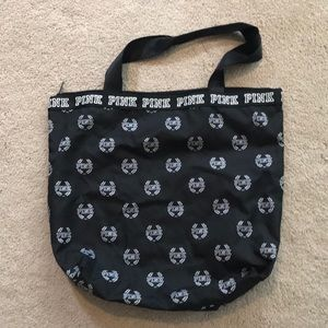 Nwot's Pink zippered tote